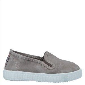 Cienta baby's stylish shoes